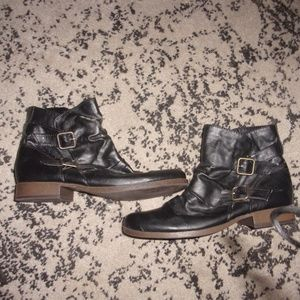 Shoes - womens black ankle boots 6.5